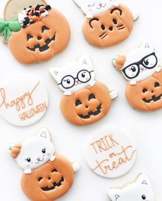 Top 7 Tips for Decorating Mini Cookies. These are sugar cookies decorated with royal icing, using the American Crafts & Sweet Sugarbelle Autumn Mini Cutters. Halloween Cookies Decorated, Halloween Sugar Cookies, Halloween Desserts, Halloween Cupcakes, Decorated Pumpkin Cookies, Halloween Pumpkins, Halloween Cat, Cat Cookies, Mini Cookies