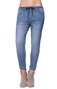 Bullhead Denim Co Gypsy Indigo Jogger Jeans, can't decide if I fucking love these or hate them. Denim Joggers, Classic Outfits, New Outfits, Cute Outfits, Sweet Style, My Style, Chambray, Dress To Impress