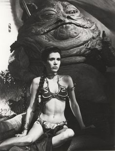 A gallery of Star Wars: Episode VI - Return of the Jedi publicity stills and other photos. Featuring Carrie Fisher, Mark Hamill, Harrison Ford, Anthony Daniels and others. Star Wars Mädchen, Leia Star Wars, Star Wars Girls, Carrie Fisher, Mark Hamill, Film Science Fiction, Images Star Wars, Princess Leia Slave, The Blues Brothers