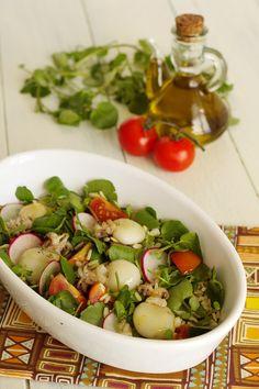 Cinco Quartos de Laranja: Salada de choquinhos grelhados com arroz e agrião