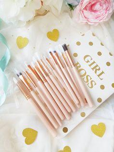 @zoeva brushes Beauty Stuff, My Beauty, Zoeva Brushes, Makeup Items