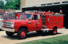 Old mini pumper Seagrave, Chattanooga Tn. Fire Dept, Fire Department, Tennessee Fire, Brush Truck, Old Tractors, Mopar Or No Car, Fire Apparatus, Emergency Vehicles, Fire Engine