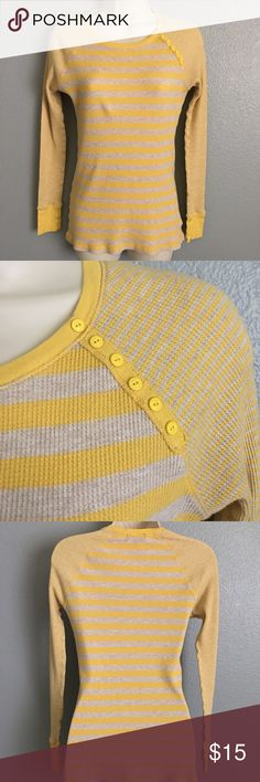 ✨Gap Yellow & Tan Striped Shirt!✨ ✨Gap Yellow & Tan Striped Shirt! Has cute little yellow buttons coming down left side of collar! Excellent Condition! Size - Medium.✨ Tops