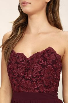 You will forever remember the day you stunned in the Special Day Burgundy Lace Strapless Maxi Dress! Scalloped lace trims the strapless, sweetheart bodice finished with princess seams, light padding, no-slip strips, and boning. The Georgette maxi skirt (with accordion pleats) flows elegantly from the banded waist. Hidden back zipper/clasp.
