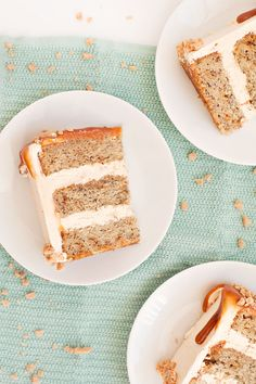 Banana cake with caramel frosting, toffee pieces and homemade caramel sauce Banoffee Cake, Homemade Caramel Sauce, Cold Cake, Cake Plates, Sweet Treats, Yummy Treats, Sweet Tooth, Caramel Frosting, Sweets