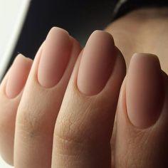 Neutral matte nails of a very natural shade will look as if . wedding nails Neutral Matte Nails Of A Very Natural Shade Nude Nails, Matte Nails, Matte Pink, Coffin Nails, Oval Nails, Matte Nail Colors, Shellac Nails, Oval Nail Art, Oval Shaped Nails