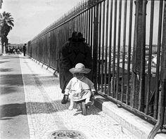 Lisboa de Antigamente: miradouro Lisbon, Railroad Tracks, Street, Buildings, Stone Stairs, Bouldering, Heavy Highlights, Old City, Bullock Cart
