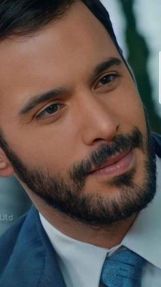 Turkish Men, Turkish Actors, Guys Eyebrows, Hi Boy, Elcin Sangu, Beautiful Men Faces, Cute Couple Pictures, Male Face, Barista