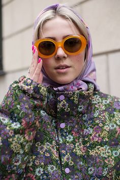 The Sartorialist: On the Street…Rue de Grenelle, Paris Scott Schuman, Head Scarf Tying, We Wear, How To Wear, Work Looks, Street Style, Style Inspiration, The Sartorialist, Colour Story