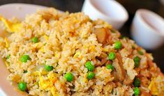 CrockPot Slow Cooker Fried Rice Recipe- Omit the Egg and Use Vegan Worsch. Crock Pot Chicken, Crock Pot Food, Crock Pot Slow Cooker, Slow Cooker Recipes, Cooking Recipes, Asian Recipes, New Recipes, Vegetarian Recipes, Favorite Recipes