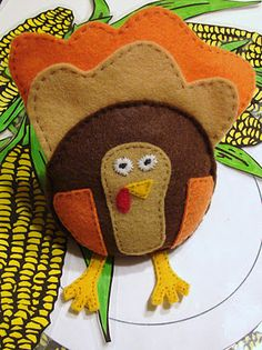 "Felt turkey bean bag - includes idea for ""Eat or Be Eaten"" beanbag toss game (perfect for Thanksgiving)"