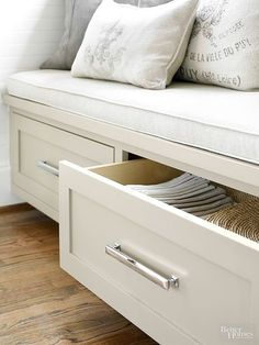 You don't have to sacrifice design in a tight space. This cozy banquette offers integrated storage for table linens in its two full-depth drawers. Kitchen Corner Bench, Kitchen Storage Bench, Kitchen Benches, Storage Spaces, Kitchen Decor, Storage Drawers, Corner Table, Corner Bench With Storage, Kitchen Ideas