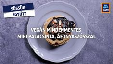 Vegán mindenmentes mini palacsinta áfonyaszósszal. Süssük együtt! #aldi #recept Izu, Minion, Pancakes, Vegan, Breakfast, Food, Morning Coffee, Essen, Minions