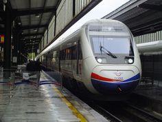 * Comboio de Alta Velocidade, da espanhola CAF * Ankara, Turquia.