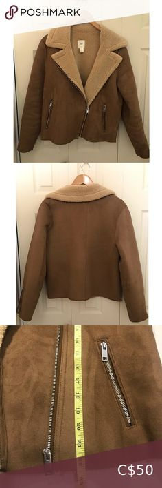 H&M faux Suede Jacket 🤎 In perfect condition. Like New! Length: 22,5 inch H&M Jackets & Coats Teddy Jackets Black Shearling Jacket, Suede Moto Jacket, Shearling Coat, Faux Fur Jacket, Brown Fur Coat, Fuzzy Pullover, Bear Jacket, H&m Jackets, Ripped Skinny Jeans