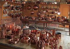 Billedresultat for Chateau de Digoine Copper Pots, Copper Kitchen, Old Kitchen, Copper And Brass, Antique Copper, Kitchen Decor, Copper Decor, Copper Accents, My French Country Home