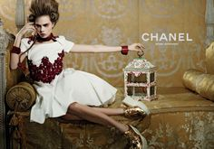cara-delevingne-for-chanel-cruise-2013-ad-campaign-03-940x660.jpg (900×632)
