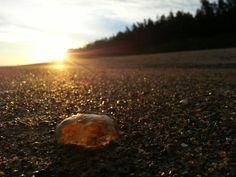 Durchleuchtet am Strand von Dzwirzyno Polnische Ostsee