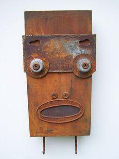 Personajes hechos con objetos de metal antiguos. | Quiero más diseño