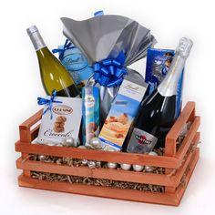 Cosuri Cadou cu Sampanie Asti Martini Martini, Santa Gifts, Barware, Princess, Martinis, Tumbler, Princesses