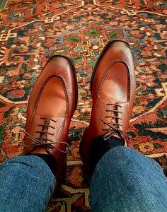 Adventure Style, Mens Attire, Men S Shoes, Business Attire, Media Design, Shoe Game, Oxford Shoes, Dress Shoes, Women Wear