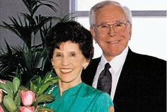 Memorial Service Held for Arvella Schuller, Co-Founder of Crystal Cathedral Ministries | AT2W