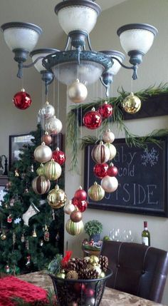 40 Fabulous Christmas Chandelier Ideas to Beautify Your Home Decoration Christmas Chandelier Decor, Indoor Christmas Lights, Christmas Centerpieces, Xmas Decorations, Christmas Home, Christmas Holidays, Christmas Wreaths, Christmas Crafts, Apartment Christmas