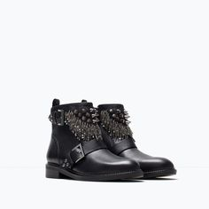 ZARA Leather ankle boot with metal details REF. 1100/001 6,390.00 MKD