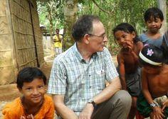 Bangladesh: Informática en la jungla y semi-esclavos del té: el marista Eugenio Sanz busca a los más olvidados