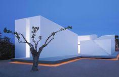 House 2 Spanish architectCarlos Ferraterand his... | The Khooll