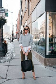 the cardigan is back how to wear with jeans - See (Anna) Jane. Casual Work Outfits, Mode Outfits, Work Casual, Outfit Work, Work Outfits Women Winter Office Style, Office Style Women, Fall Work Outfits, Office Wear Women Work Outfits, Winter Office Outfit
