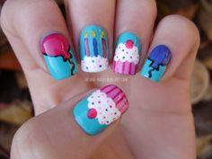 #birthday #birthdaynails #nails #nailart #turquise #balloons #cupcakenails #cupcake