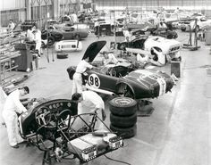 Mechanics on the production line at Shelby American Inc. in Los Angeles working on Cobra and Mustang GT 350 sports cars, September Manual labour. Ac Cobra, King Cobra, Mustang Gt 350, Ford Mustang, Shelby Mustang, Mustang Cobra, Ford Gt40, Mustang Fastback, Vintage Racing