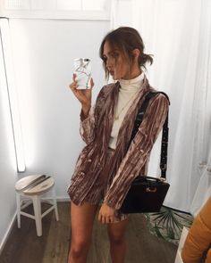 velvet blazer and shorts set with turtleneck Fall Outfits, Cute Outfits, Fashion Outfits, Womens Fashion, Bermuda Social, Look Street Style, Fashion Killa, Look Cool, Autumn Winter Fashion