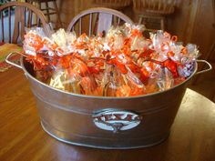 Ideas for Sports Fan Themed Party Favors: Team Colors~cute for Superbowl Party