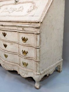 Svédországi rokokó stílusú komód Vintage Designs, Dresser, Antiques, Furniture, Home Decor, Antiquities, Powder Room, Antique, Decoration Home