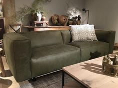 Bank Replay - Zitmeubelen - Collectie - Looiershuis Modern Furniture Online, Furniture Design, Office Sofa, Home And Living, Small Living, Interior Inspiration, Decor Styles, Mid-century Modern, Living Room Decor