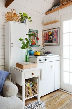 House Tour: A Garage Turned 200-Square-Foot Bungalow | Apartment Therapy