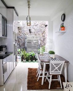 49 Good Decor Minimalist Home Terrace with Unique Ceramics Home Room Design, Home Interior Design, House Design, Dirty Kitchen, Simple Kitchen Design, Patio Interior, Minimalist Home Decor, Minimalist Wardrobe, Home Decor Kitchen