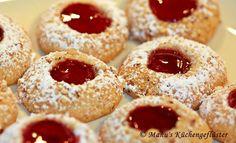 Manus Küchengeflüster: Husaren-Krapfen German Cookies, German Cake, No Bake Cookies, Cupcake Cookies, German Desserts, German Recipes, Cookie Recipes, Dessert Recipes, German Baking