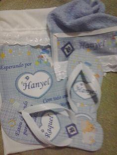 Chinelo personalizado para toda a família do baby que está chegando!!!