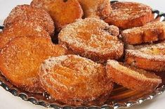 Rabanadas no forno - fica muito mais sequinha e saudável do que a frita. Ingredientes 1 lata de leite condensado; 1 colher (chá) de essência de baunilha (opcional) 2 pães para rabanada; 3 ou 4 ovos grandes (bem batidos); Açúcar e canela em …