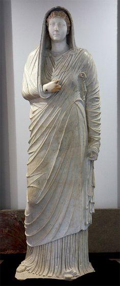 livia drusilla   Statua di Livia Drusilla , imperatrice consorte di Augusto, con stola ...
