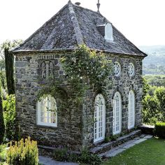 House architecture styles dream homes french country ideas Stone Cottages, Cabins And Cottages, Stone Houses, Beautiful Buildings, Beautiful Homes, Beautiful Places, This Old House, My House, Casas Magnolia