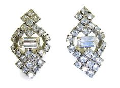 #vintage #VogueTeam #BoeBot2 Crystal Rhinestone Earrings Clip On Elegant by EclecticVintager