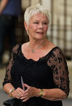Judy Dench Photos Photos: Leonardo Di Caprio and Dame Judi Dench 'J. Super Short Hair, Short Grey Hair, Short Hair Cuts, Short Hair Styles, Judy Dench Hair, Judi Dench, Ageless Beauty, Trending Hairstyles, Aging Gracefully