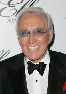 Legendary singer Andy Williams has died after a year-long battle with bladder cancer. (USA TODAY; photo: Neilson Barnard, Getty Images)