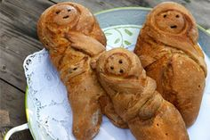 """The Lazarákia (""""Little Lazaruses"""") are small, sweet spice breads made by Greek…"""