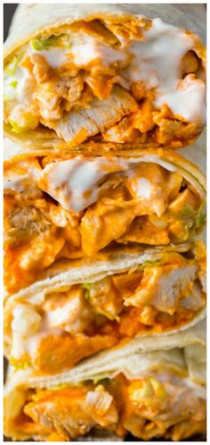 5 Minute Buffalo Chicken Wraps ~ Spicy buffalo chicken wraps with ranch dressing are bursting with flavor and made in just 5 minutes!