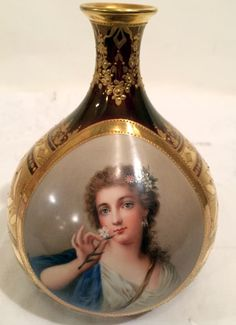 Royal Vienna ~ Gilded vase ~ signed Wagner ~ Madame Pompadour ~ Late 19th century to Early 20th century